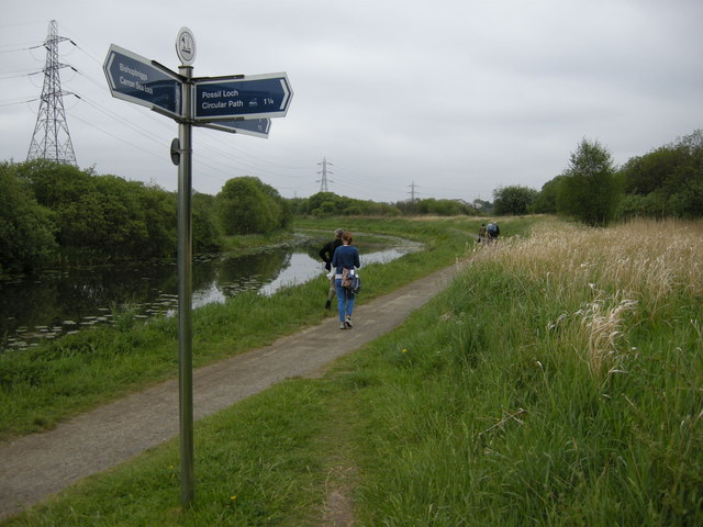 https://s0.geograph.org.uk/geophotos/04/45/13/4451310_2d84a95d.jpg